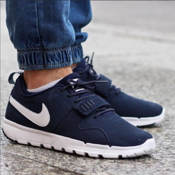 0222fc2ada64 Men s Nike Trainerendor L SB Sneaker s. M 5b73019142aa76b97f901692